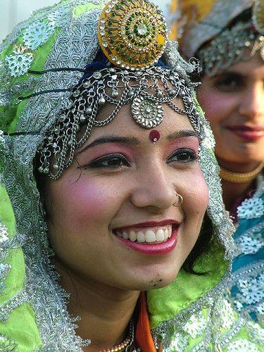 Muchacha Haryanvi en traje tradicional.