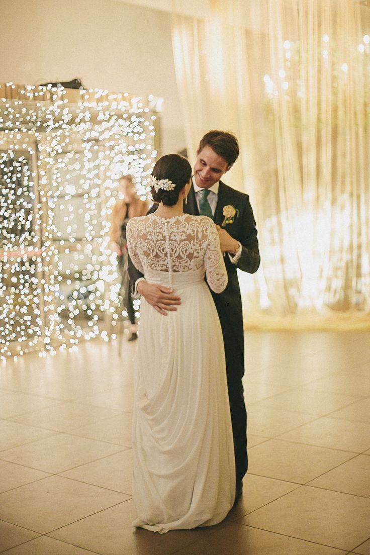 CLASSIC WEDDING FIRST DANCE SONGS