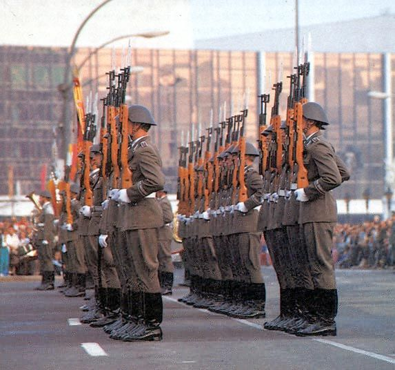 NATIONALE VOLKSARMEE (DDR)