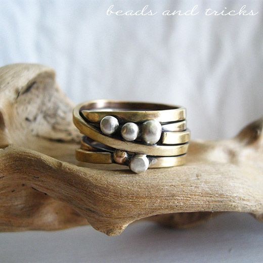 Nu-gold and sterling silver ring. Handforged square wire | Handmade by Beads and Tricks