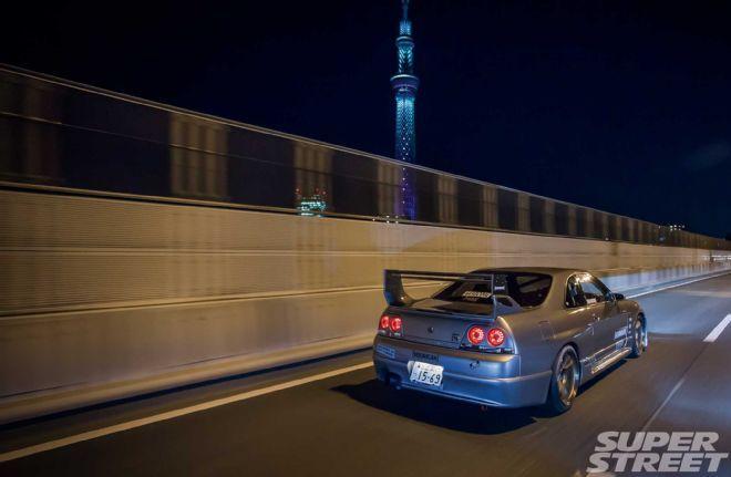 Oval Auto R33 Nissan Skyline - Highway to Hooning