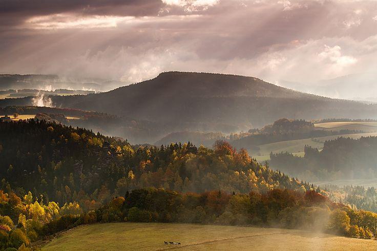 CHKO Broumovsko - stolová hora Ostaš (foto: Miroslav Roubínek)
