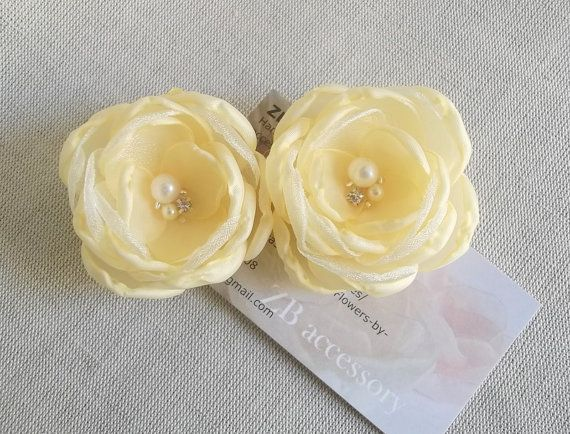 Pale Yellow Bridal hair flowers Light yellow by ZBaccessory