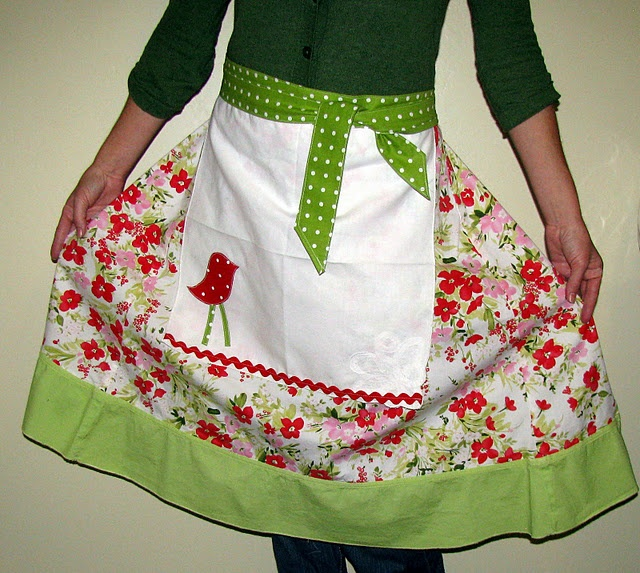 upcycle an old skirt into an apron