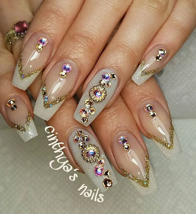 Best 25+ Pearl nail art ideas on Pinterest   Almond nail ...