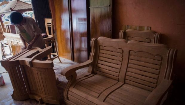Indonesia`s furniture and craft industry targets new export  destinations, such as China, Middle East and Africa.