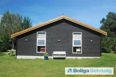 Skovvænget 35, 4400 Kalundborg - Moderniseret sommerhus, KVIK køkken, 3 soveværelser, 400m til strand #kalundborg #fritidshus #boligsalg #selvsalg