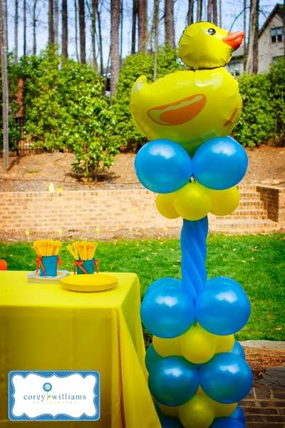 #Ducky Duck Balloon Column