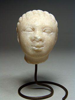 Όστρακο Αρχαία Τέχνη, Ελληνική μαρμάρινη κεφαλή ενός κοριτσιού, τέλη 4ου αρχές…