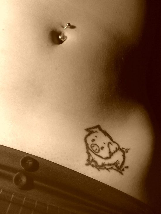 I would never get this but it's just a cute pig tattoo, one of the first ones I've seen!