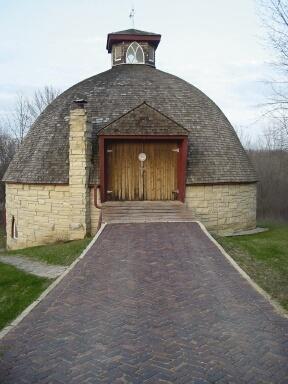 Round barn...<3