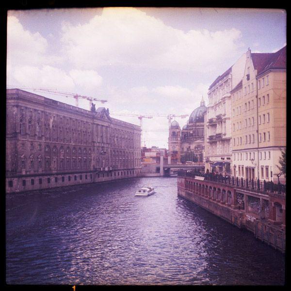 berlin bilder – a piece of floatinghttp://tinyurl.com/pdhtsnb