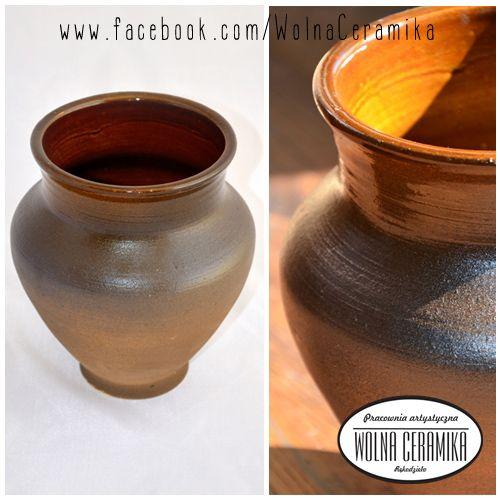 Brown vase.