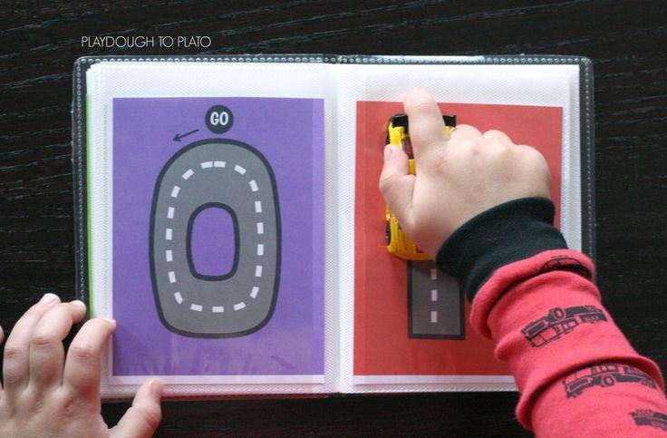carta sin coches Matchbox rastreo de libro.  {} Playdough Platón