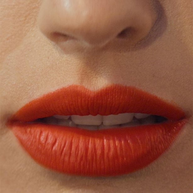 CELESTE E VERDE // Matte lips in FIRE