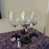 Linked to: violetimperfection.blogspot.com/2012/08/pinteresting-chalkboard-wine-glasses.html