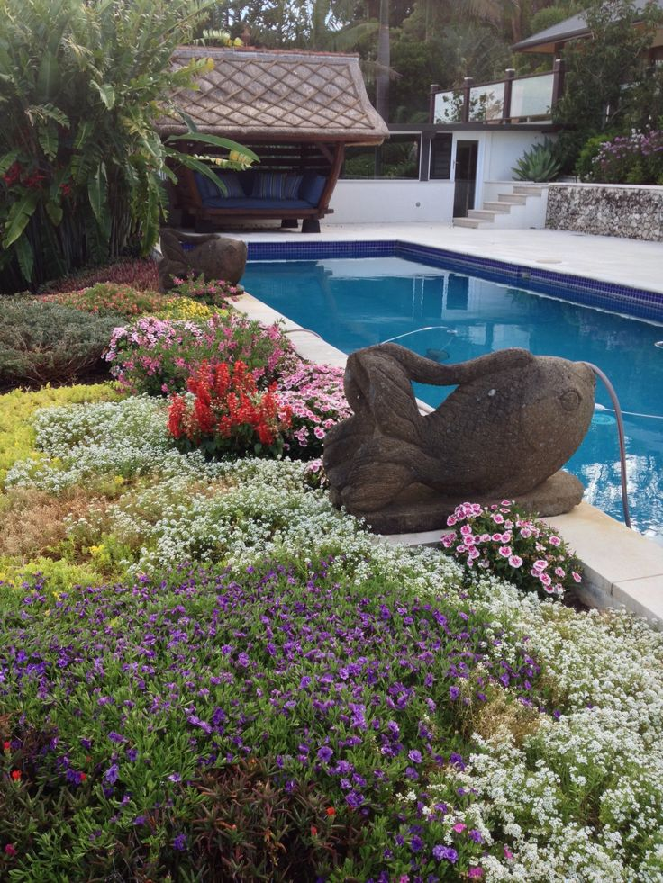 Emerald Valley annuals by the pool