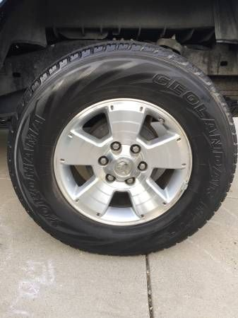 2006 Toyota Tacoma Stock Wheels and Tires (Arroyo Grande) $400
