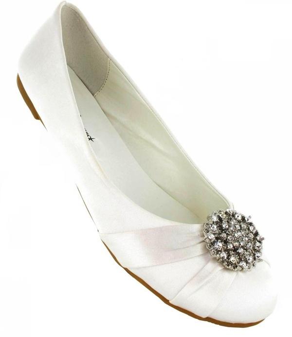 white wedding shoes flats http://pinterest.com/nfordzho/boards/