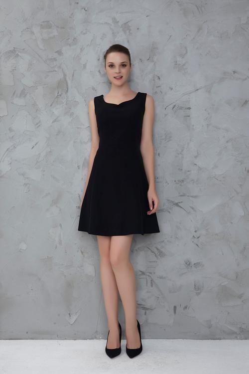 Siyah Sırt Dekolteli Abiye Elbise - Fotoğraf