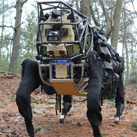 "Marines take ""Big Dog"" for walkies in the woods ..4 legged,robotic,mechanical pack mule ..read more@ www.GeekPorn.me: Robots, Support System, Squad Support, Pack Mule"