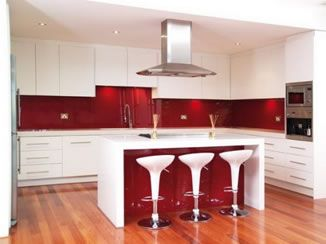 ::: Adding Colour to a White Kitchen :::