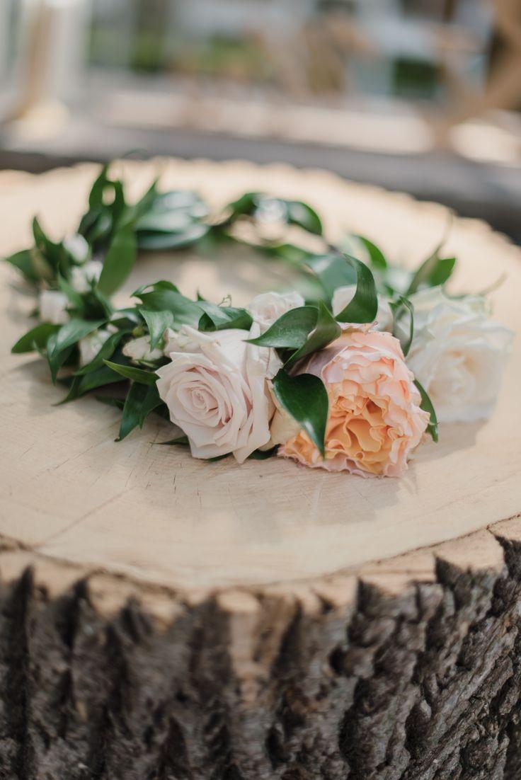 Made by Hana Events, Toronto Wedding Planner, boho, wedding, backyard wedding, outdoor wedding, bride, groom, jewish wedding, hora, horrah, www.madebyhanaevents.com , flower crown