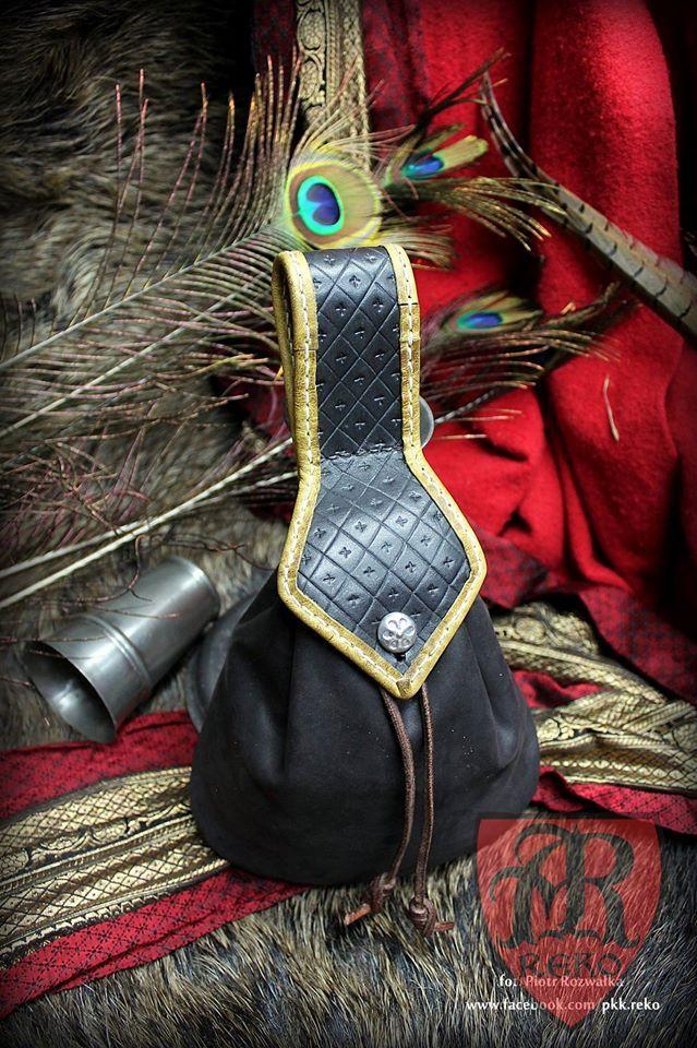 Handmade leather purse 15th-17th century www.facebook.com/pkk.reko