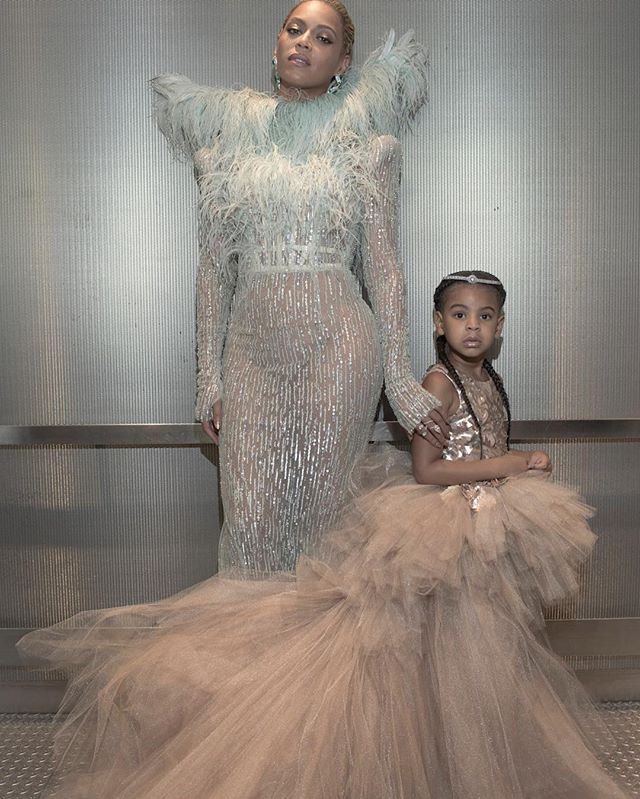 Pin for Later: Beyoncé, Our Fairy Godmother, Arrives With Blue Ivy For Her Big Night at the VMAs