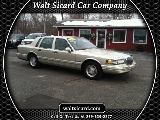 1997 Lincoln Town Car Signature Click for Vehicle Details!