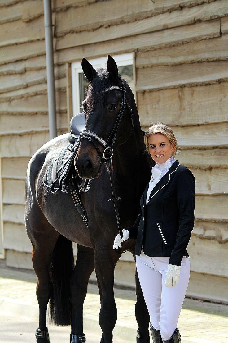 HORKA Competition jacket www.horka.com #horse #pferde #new #horka #cheval #paard #horseshop #paarden #pferdesport #paardensport #chevaux #caballo #equestrian #catalogus #catalogue #reiter #ruiter #ryttare #equine #dressuur #springen #fashion #showjumping #wedstrijd #rijjassen