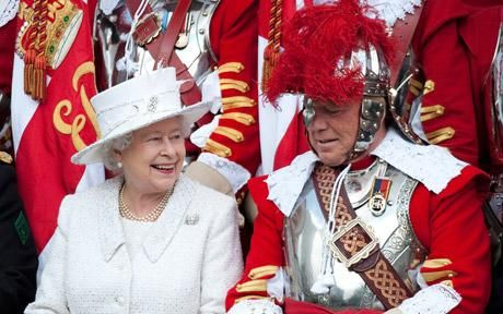 498 Best Queen Elizabeth Ii Dresses Color Images On Pinterest British Royal Families United
