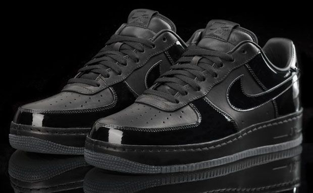Elegant Nike Air Force 1 U201cAll Black Everythingu201d (2010)