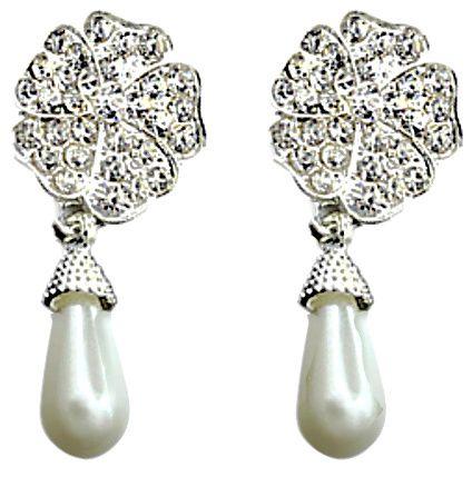 https://www.goedkopesieraden.net/Zilveren-oorstekers-met-bloem,-strass-steentjes-en-parel-hanger