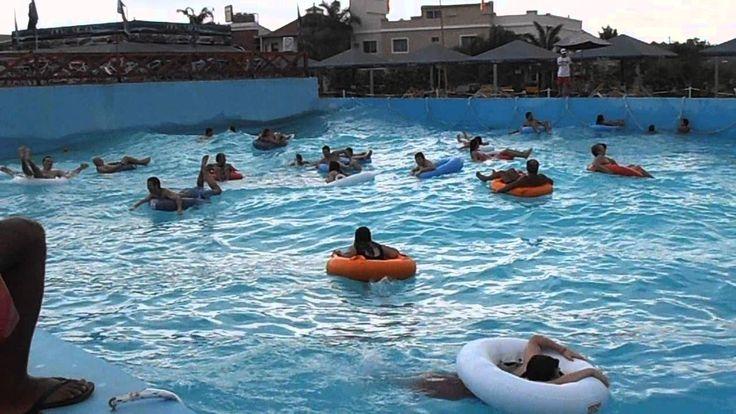 Termas de Federación - Piscina de olas con 2.500.000 litros de agua.