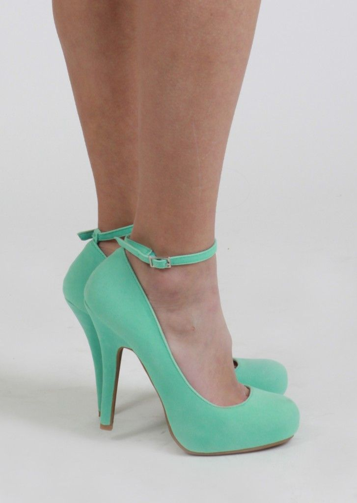 would love these in red or navy or mulberry