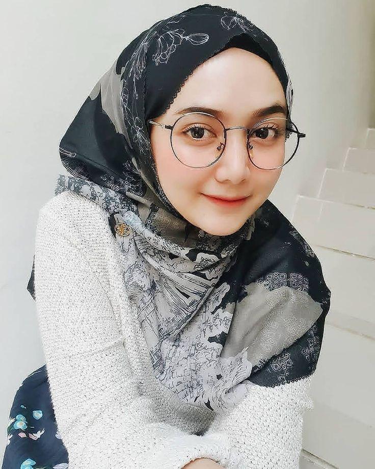 Instagram   Wanita cantik, Jilbab cantik, Wanita