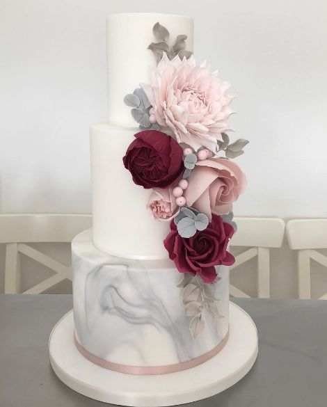 Featured Wedding Cake: Cotton and Crumbs; www.cottonandcrumbs.co.uk; Wedding c…   – Wedding Cakes