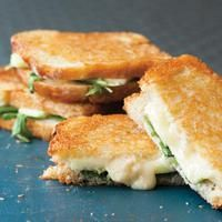 Apple, Cheese and Arugula Panini|  http://www.rachaelraymag.com/recipes/rachael-ray-magazine-recipe-search/fast-recipes/apple--cheese-and-arugula-panini