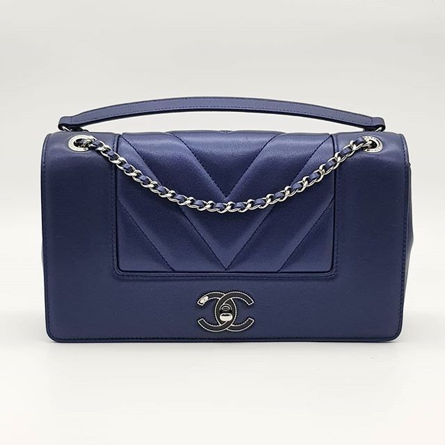 c7eaad84fa29 Preloved Chanel Mademoiselle Vintage Chevron Flap Bag Blue Lambskin Silver  Hardware Serial code
