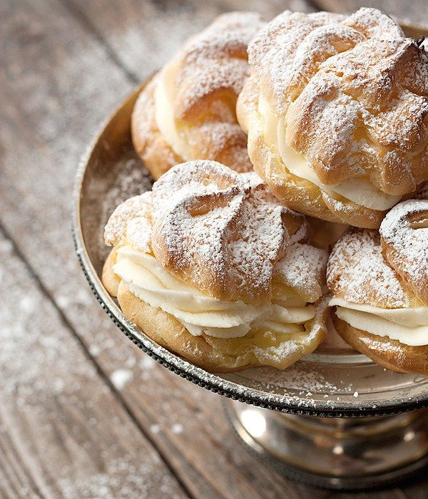 Takes cream puffs in a different direction, with a classic cannoli filling.