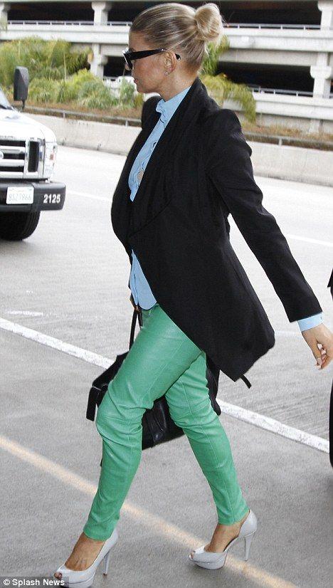 OH LA LA!!!: What should I wear with mint green pants ?