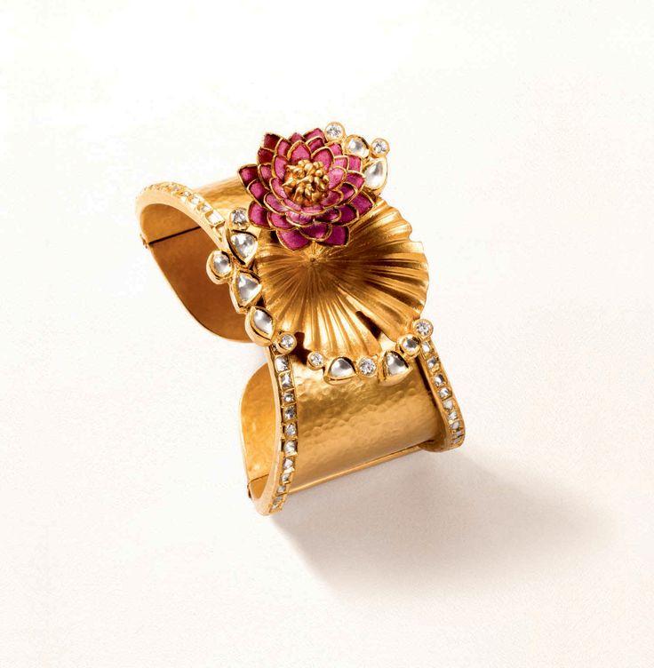 Zoya cuff in yellow gold with pink enamel and polki diamonds