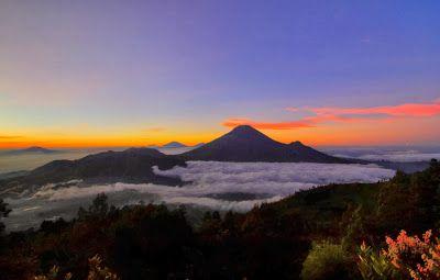 Mengintip 5 Puncak Gunung Di Jawa Tengah Dari Bukit Sikunir