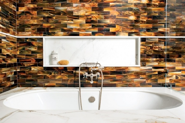 This tub and tile combination is simply divine.: Tile Style, Glasses Tile, California Home, Beautiful Bathroom, Ian Stalls, Bathroom Ideas, Home Design, Dope Design, Glasses Swirls
