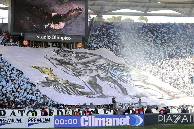 #Striscione dei tifosi laziali in @officialsslazio-@OfficialASRoma durante il campionato di calcio @SerieA_TIM 2012-2013