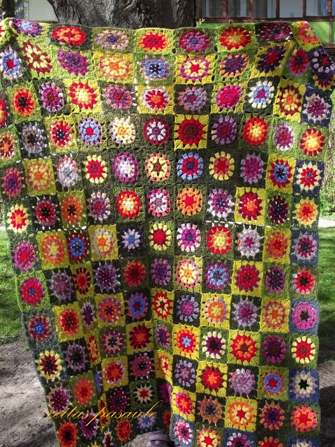 ceitaspasaule: 143 puķītes