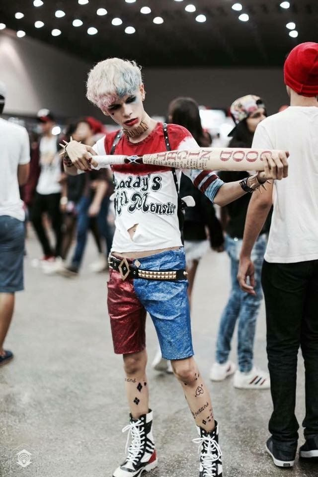 Male Harley Quinn Suicide Squad Cosplay - this is so cool. I wish the film Harley's costume could have looked more like this.