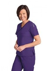 Find high quality, stylish and durable uniforms for men and women at Daily Cheap Scrubs. You can find hospital uniforms, lab coats, nursing scrubs and many more at this online scrubs store.