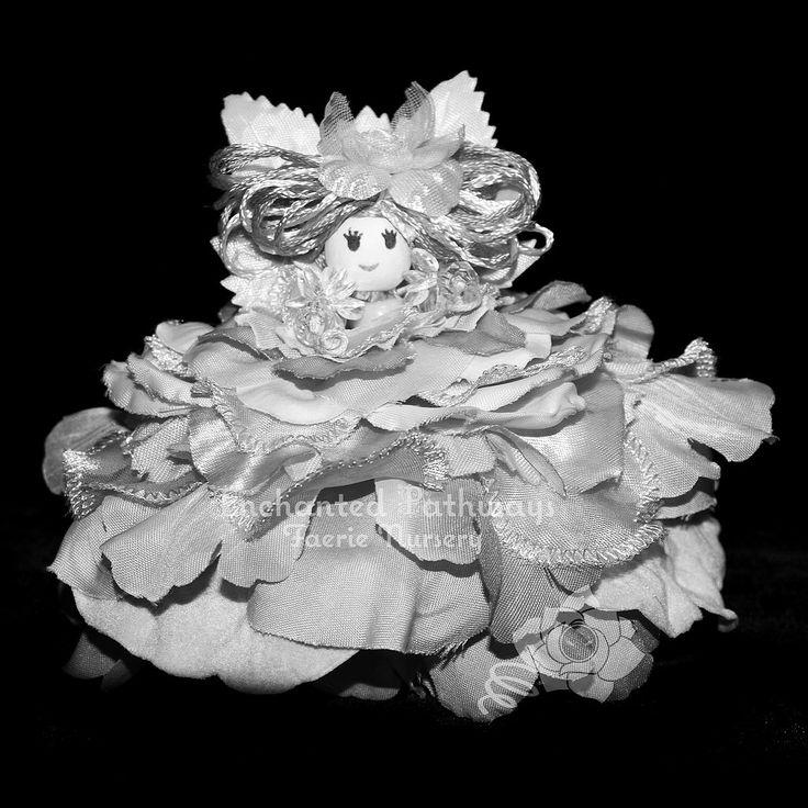 https://flic.kr/p/Eg3yJc | Exquisiteness as an expression. #beauty #blackandwhite #shadow #gorgeous #light #angel http://tinyurl.com/paksoak